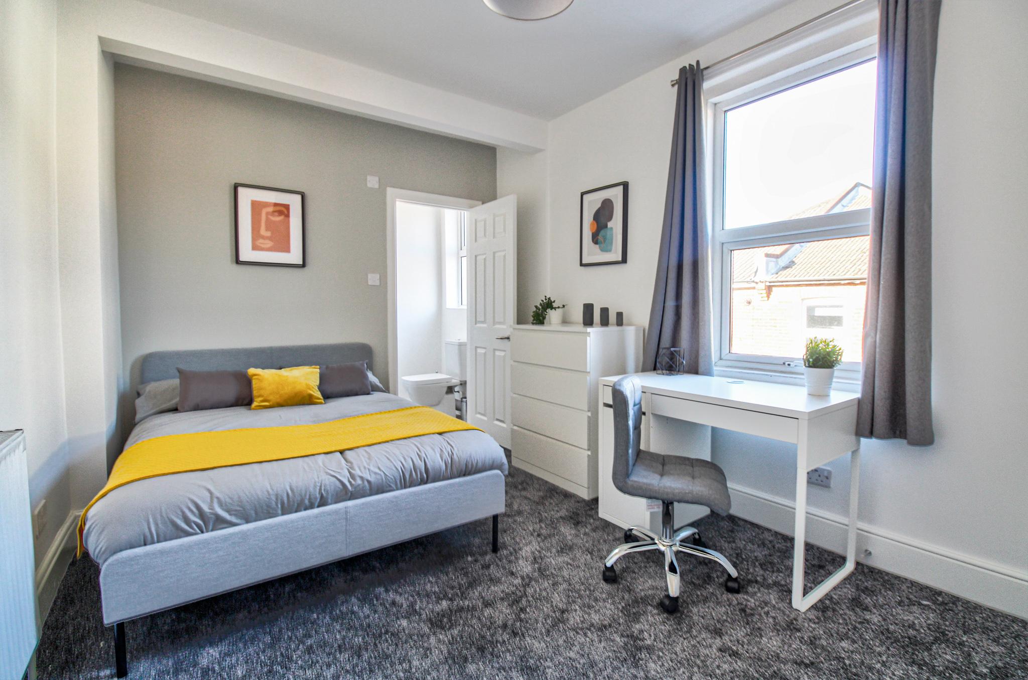 Harborough Road, SO15                                         BRAND NEW! LUXURY En Suite Room – ALL Bills Included!